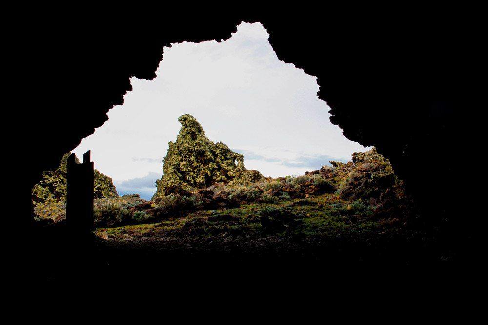 cave-patagonia-pali-aike